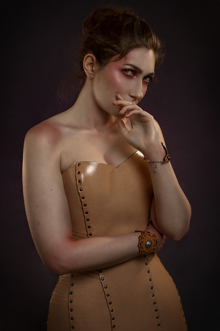 corset creepy en cuir