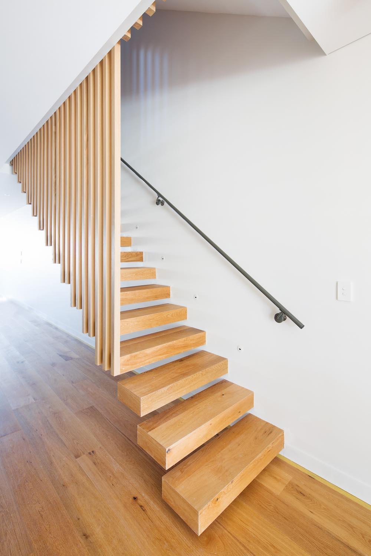 Tamarama 5 bed staircase