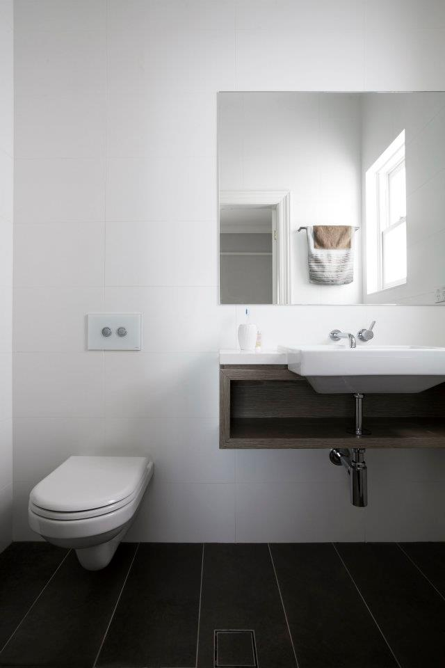 Cammeray bathroom shelving