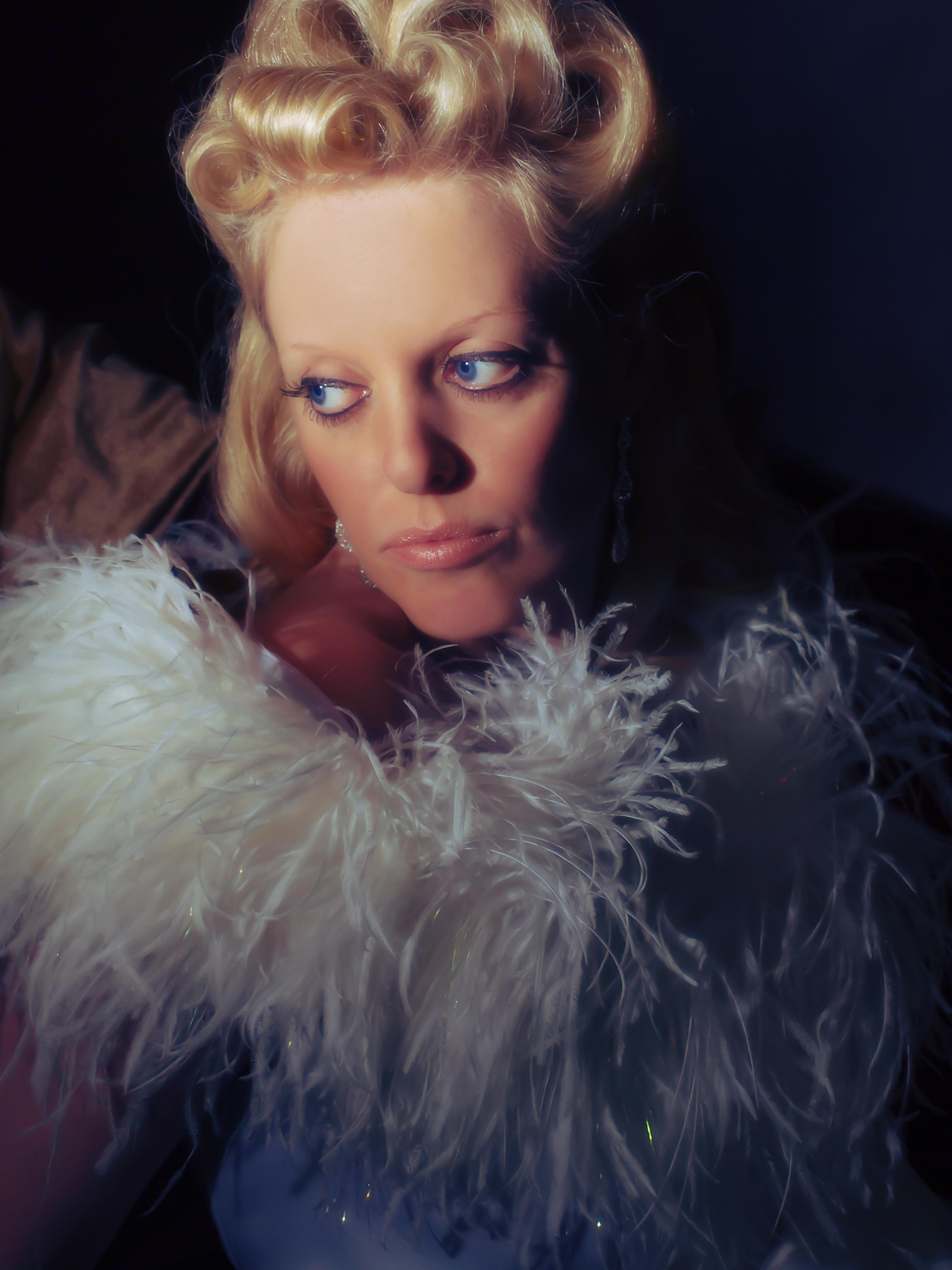 Vintage Vixen, Old Hollywood Glamour