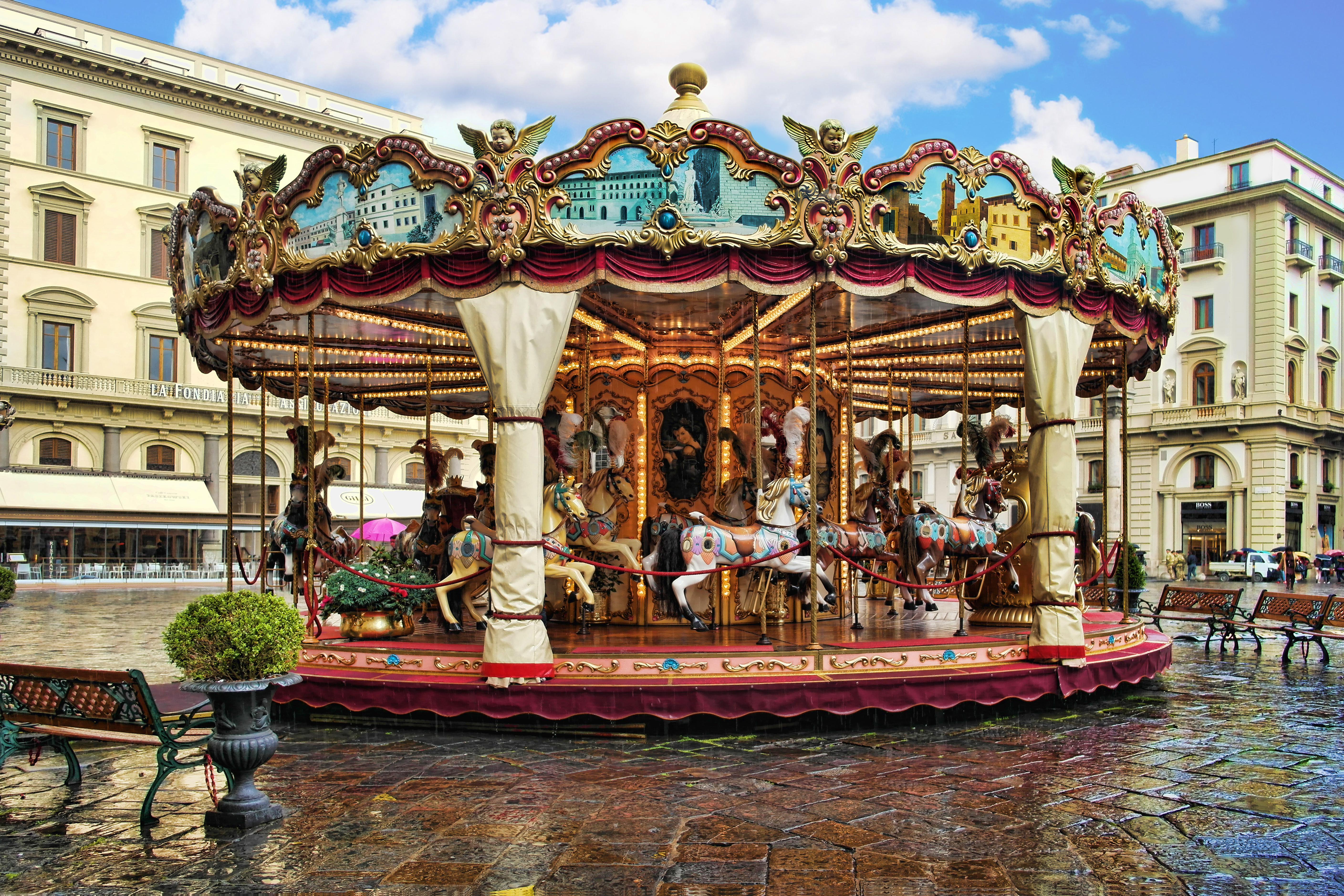 THE_ANTIQUE_CAROUSEL_OF_THE_PICCI_FAMILY_FLORENCE,_ITALY