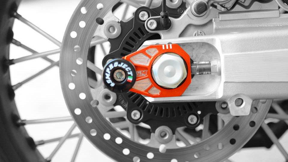 KTM690/ Husqvarna 701 Rear Axle Block/Slider SM Project CnC