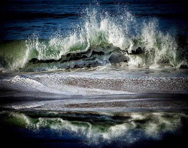 oceanwaveshello72Res.jpg