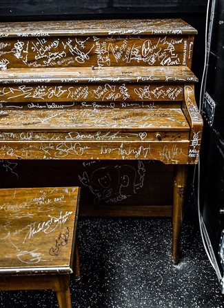 BACKSTAGE PIANO
