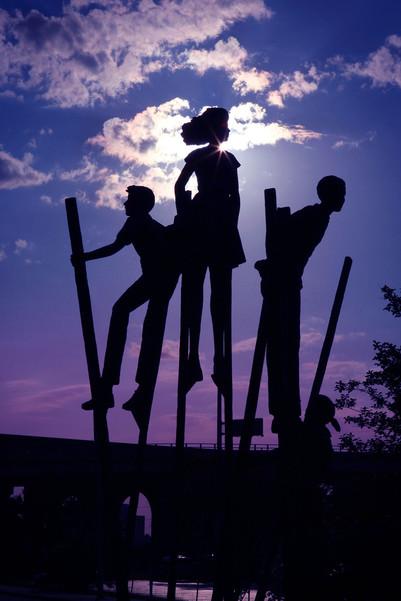 Kids_Climbing_Statue_IMG_3971c.jpg