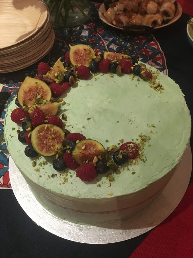 Pistachio and fig cake