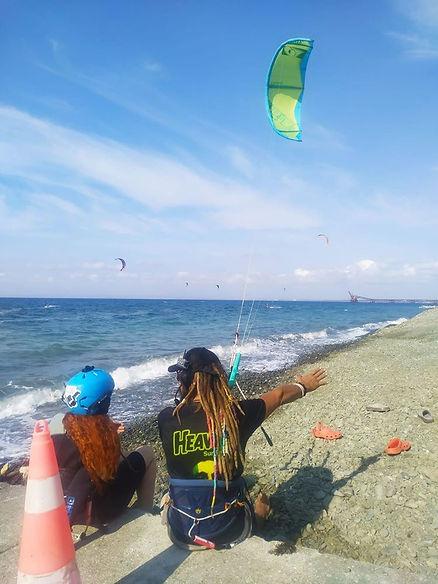 heavensurfhouse kitesurfing lesson