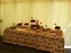 help yourself cake table