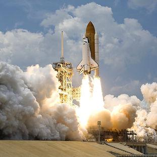 space-rocket-launching-73871.jpg