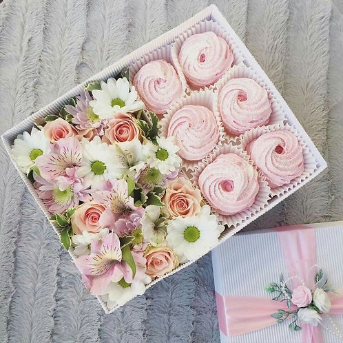 Flowers in a Box with cupcakes LG