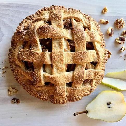 Pear & Walnut Pie