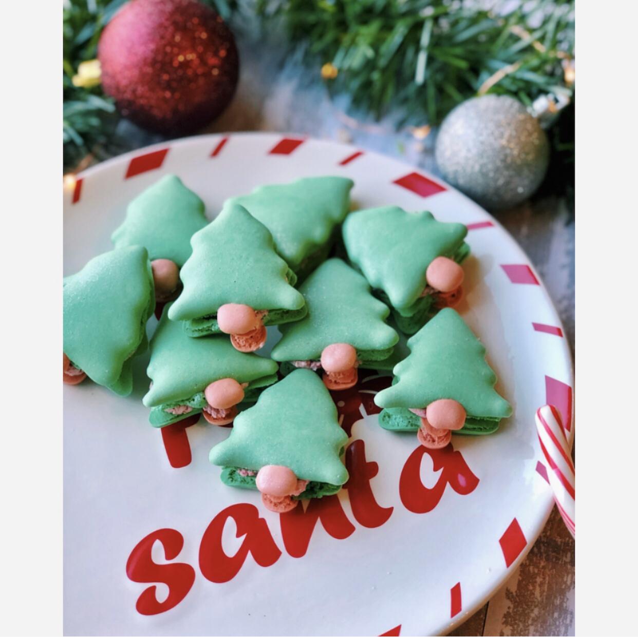 mini pine tree macaron