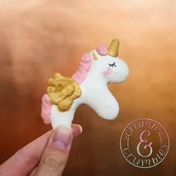 Flying Unicorn macaron