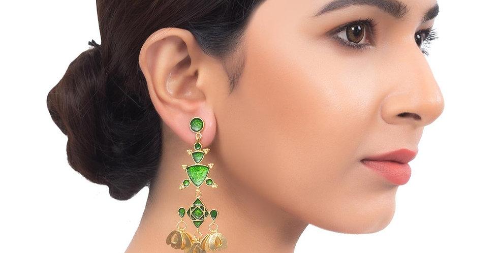 Golden hue and Black Stones Medium Earrings