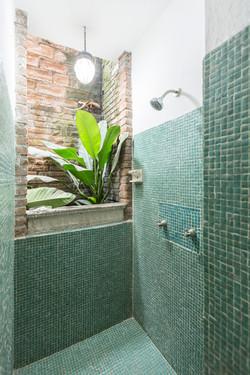 Gabriela shower