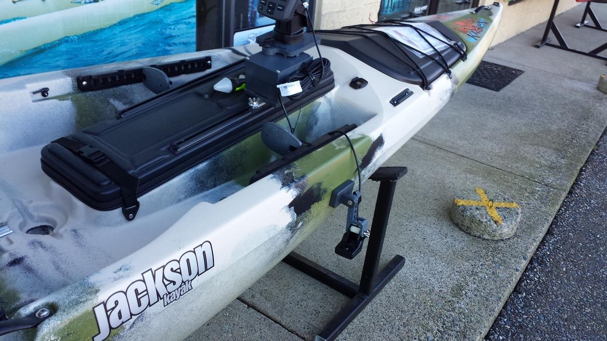 Jackson Kraken Kayak fish finder