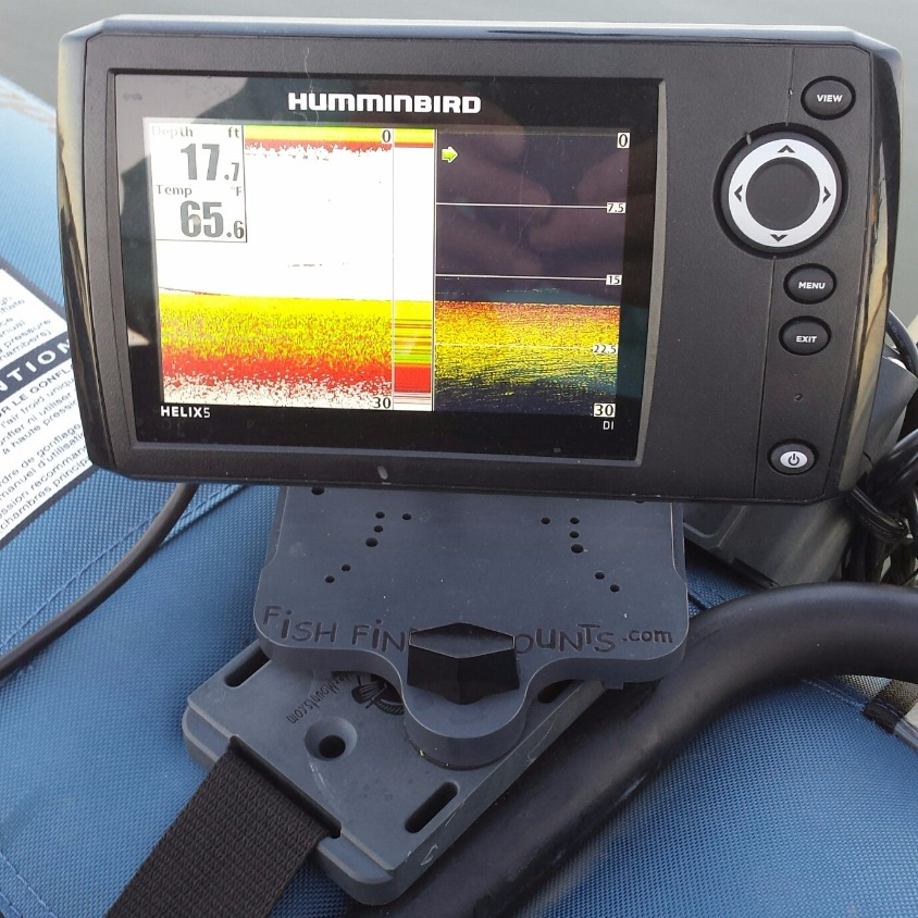 Humminbird Helix 5 on Pontoon