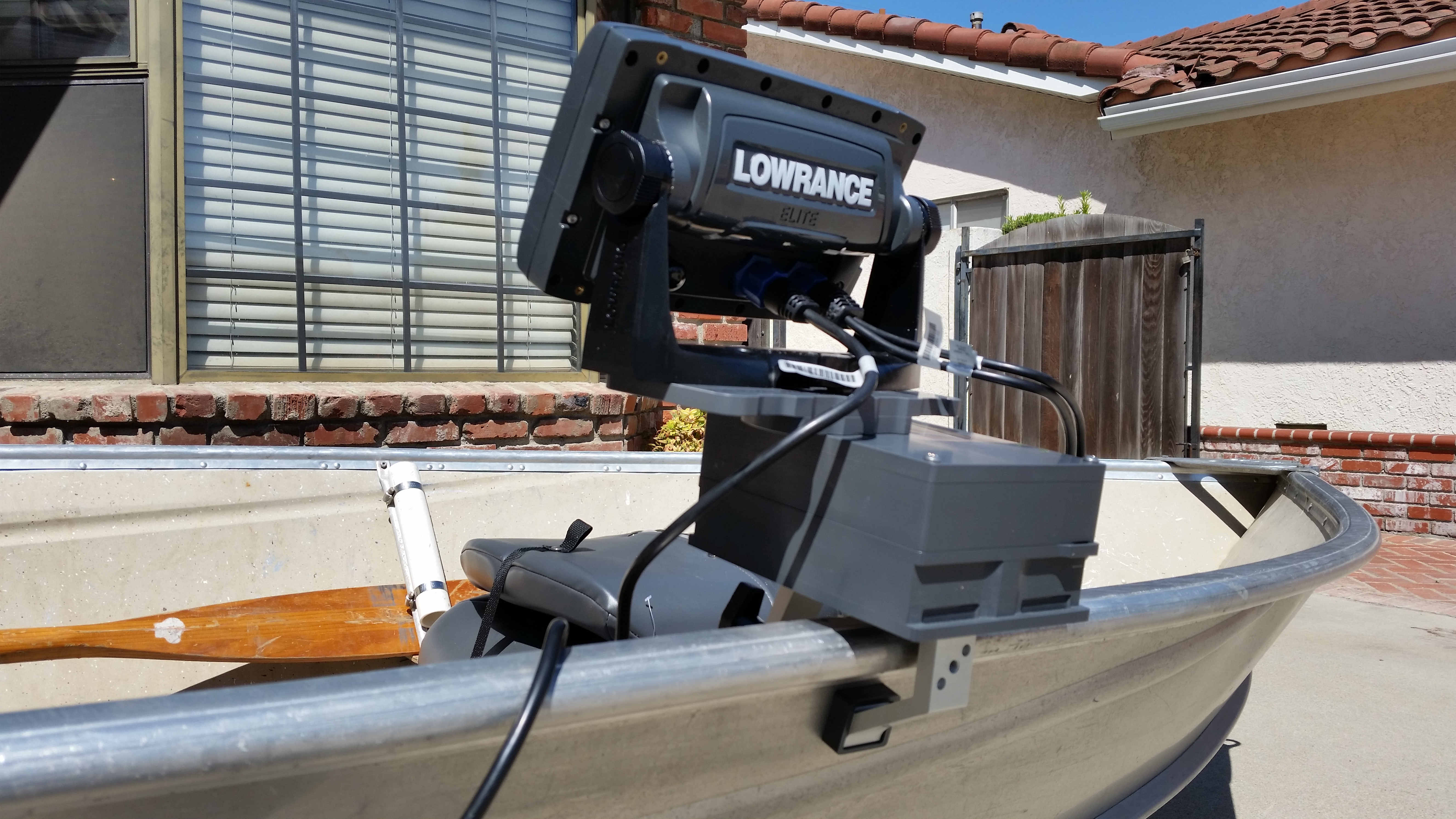 Lowrance Elite 7 mount.jpg
