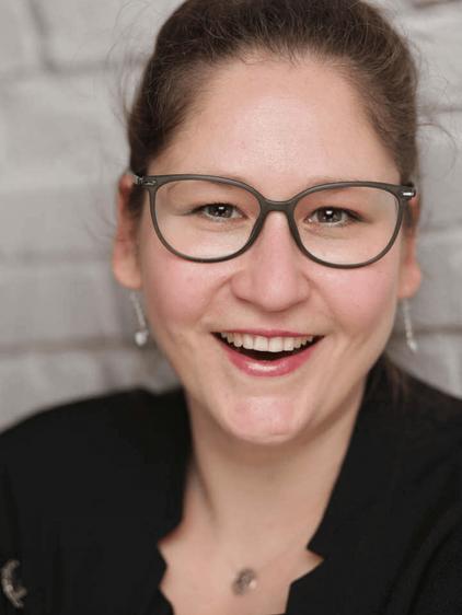Traurednerin Jasmin aus Düsseldorf