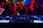 controlador-de-musica-dj-mixer-em-uma-bo