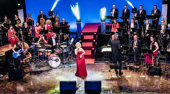 """Gastsängerin bei """"Swinging Christmas"""" mit der KELAG Big Band/ORF """"Licht ins Dunkel"""" - TV-Aufzeichnung"""