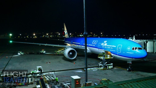 Flying KLM from Bali to Singapore on the B777-300ER (KL836 DPS-SIN)