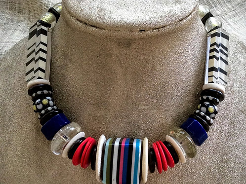 Graphic Prints Necklace