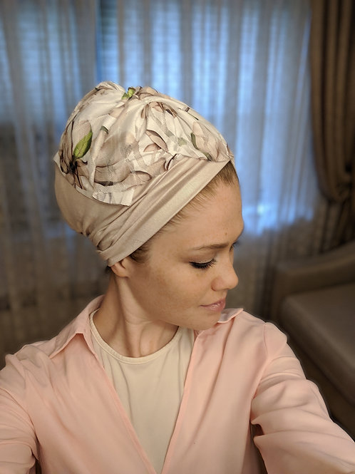 Light beige hat with a floral headband