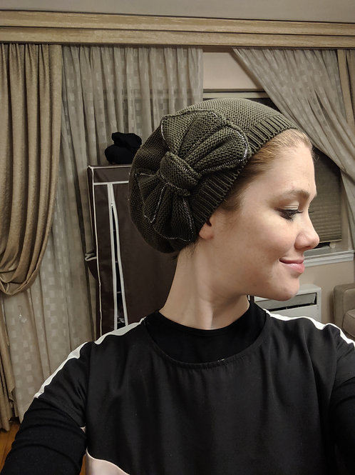 Olive green cotton beret with bow