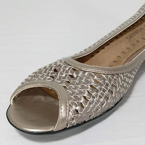 KIM ROGERS Metallic Gold Weave Slip-Ons - Size 10M