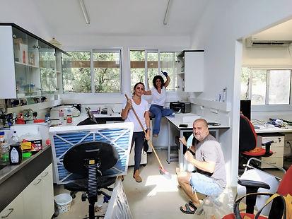 2020 11 17 lab cleaning.JPG