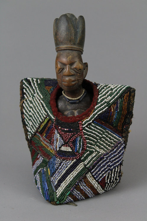 (Single) Ibejii Figure with Beadwork Coat