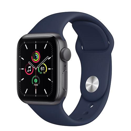 Apple Watch SE cassa in alluminio grigio siderale con Cinturino Sport