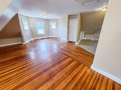 3 bedroom unit for rent in Providence, RI
