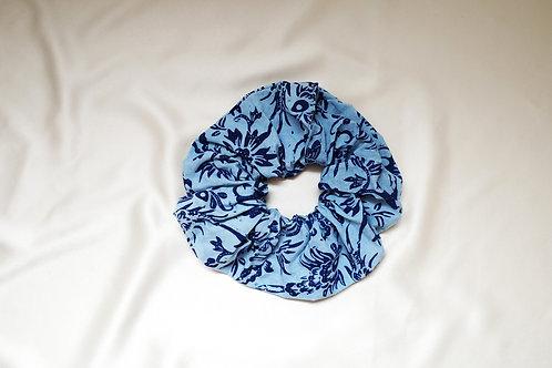 Batik scrunchie floral biru