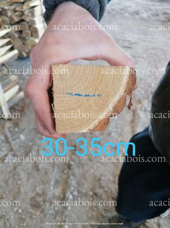 30-35cm_piquets_acacia_sciés.jpg