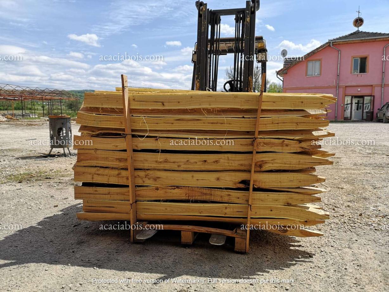 1.8m_25-30cm_piquets_acacia_sciés.jpg