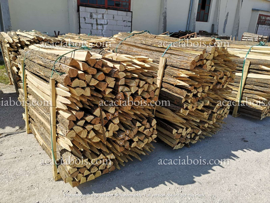 1.8m_20-25cm_piquets_acacia_sciés_non_éc