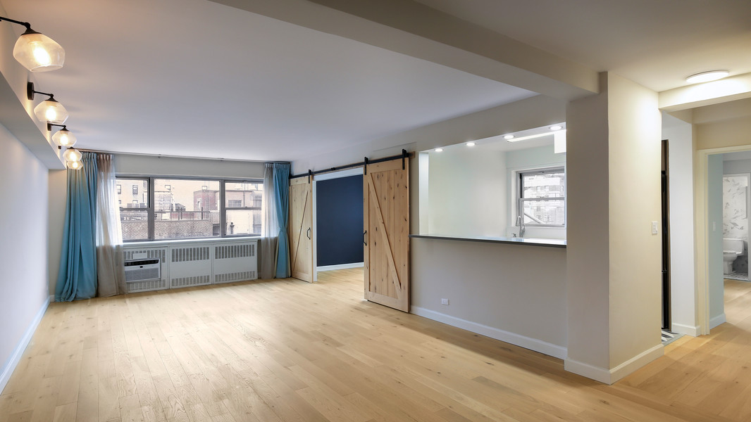 Real Estate Photo of an aparment living room in Midtown Manhattan, New York City.