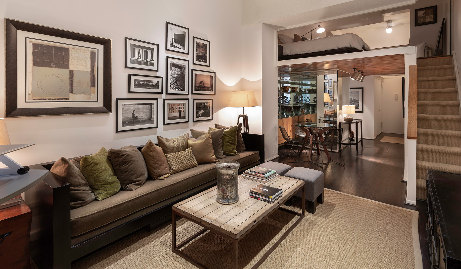 Studio Apartment on East 49th St in Manhattan, NYC