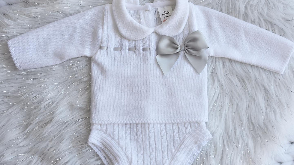 Frosted White Knit Bow Set