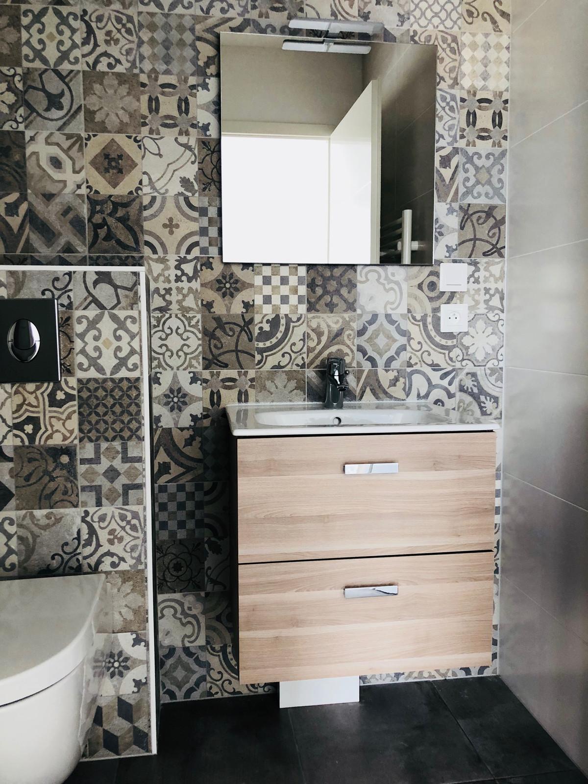 Exemple design moderne salle d\'eau Appartement Colmar
