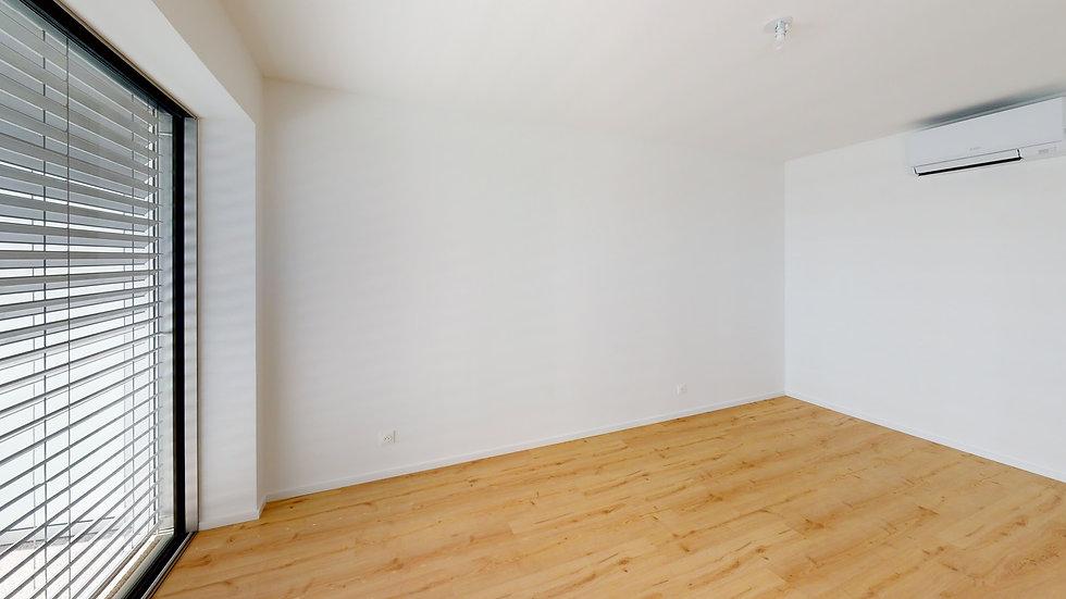 B4-White-Appartement-7-Unfurnished.jpg