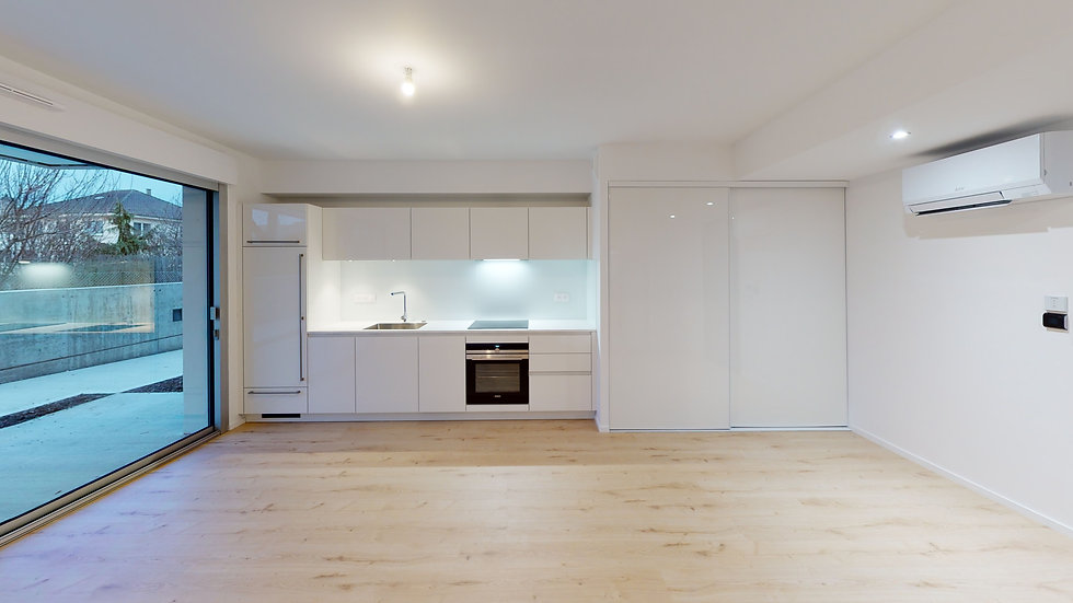 B4-White-Appartement-1-Unfurnished.jpg
