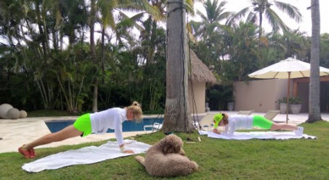 thumbnail_Mita Planking Isbergs with dog