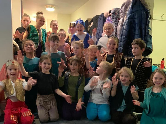 Aladdin - In the Changing Rooms