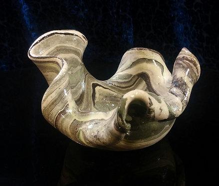 פמוט צדף בטקסטורת אבן נחלים עם שבבי יהלום