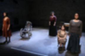 Quatre femmes et le soleil, mise en scène Neus Vila, musique Julien Gauthier