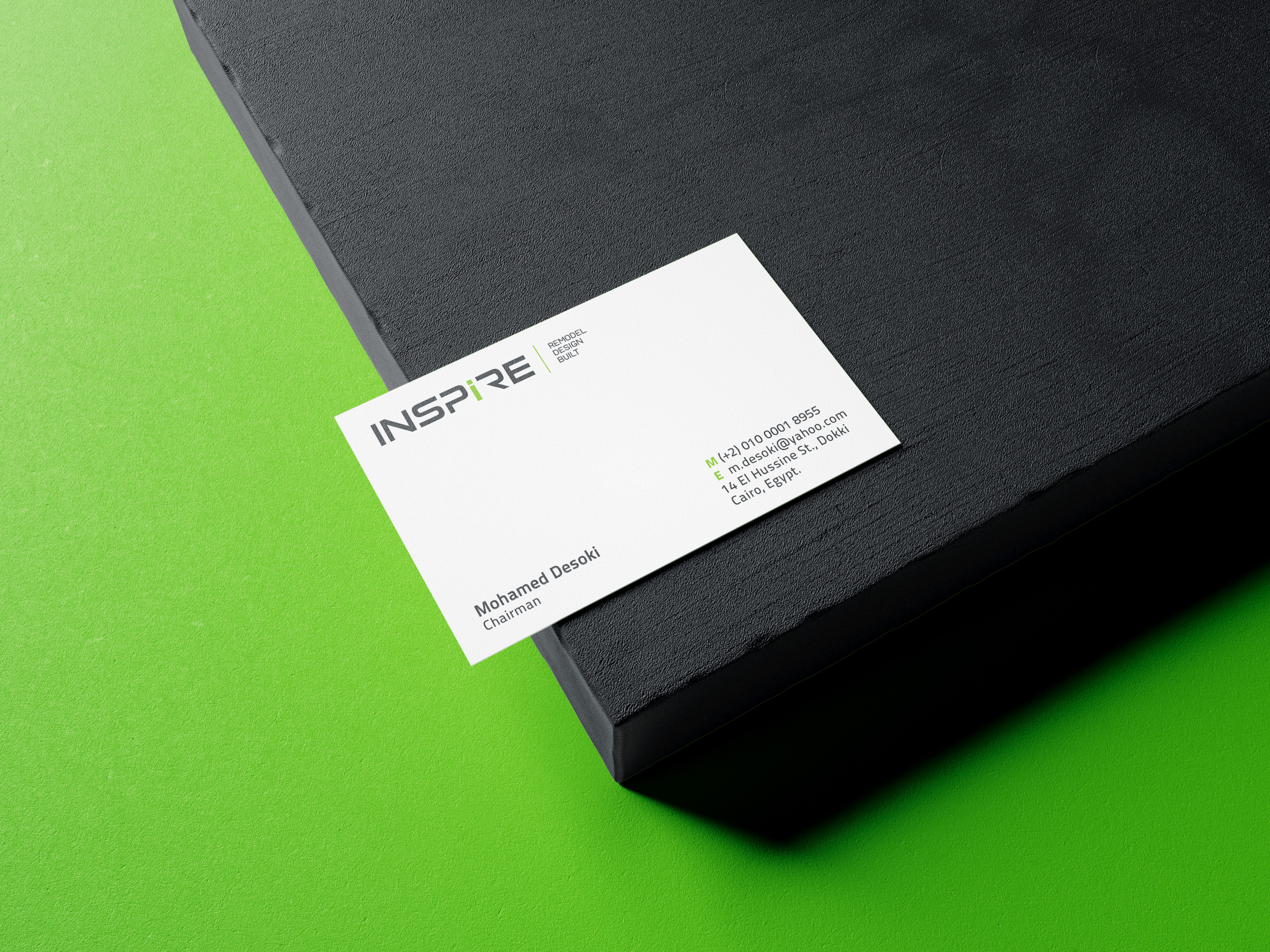 Free_Business_Card_Mockup_2