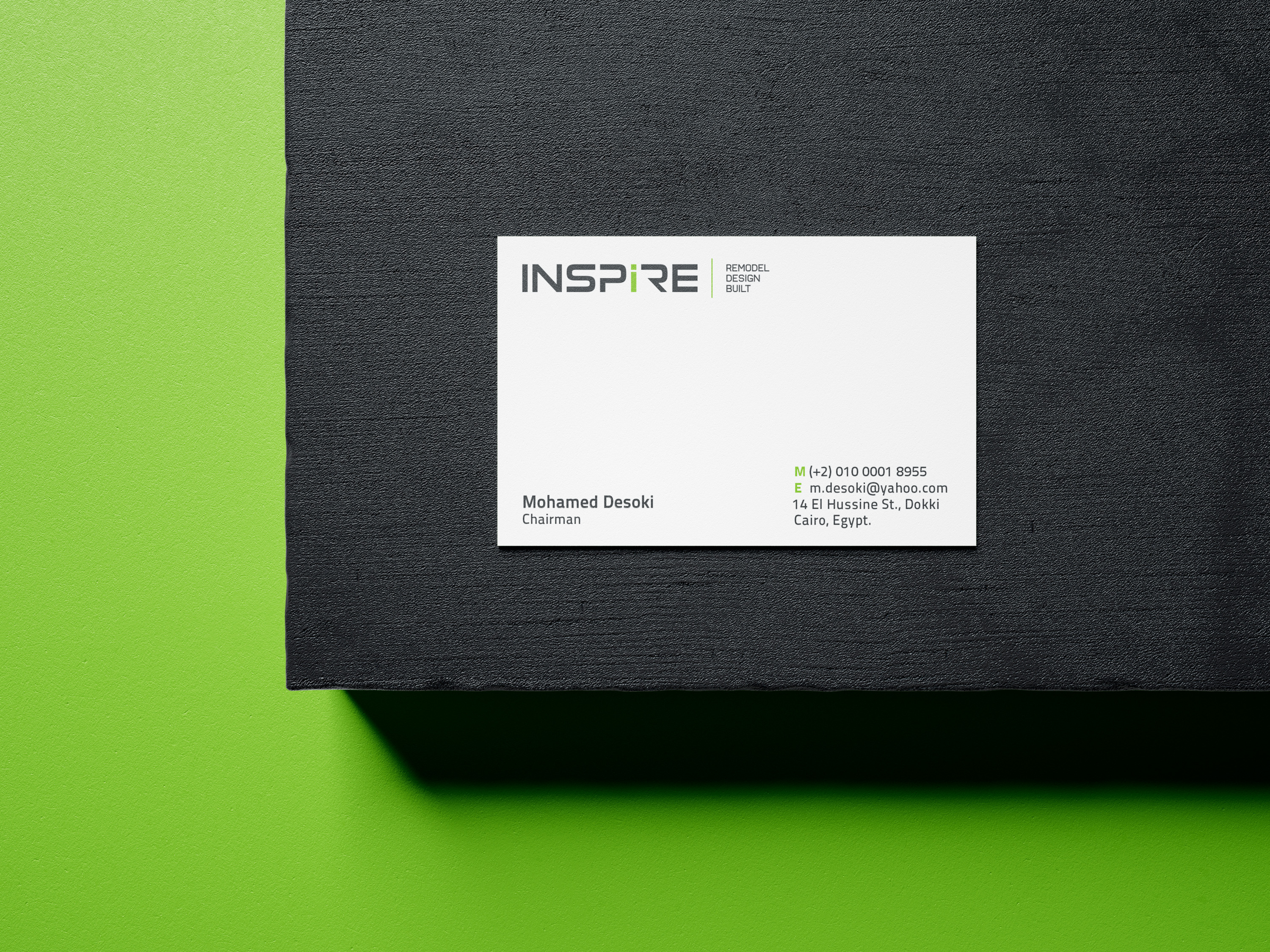 Free_Business_Card_Mockup_1
